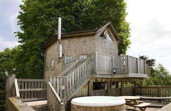 The Treehouse, Premier Cottages