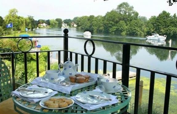 Suite balcony, Waterside Inn, Bray