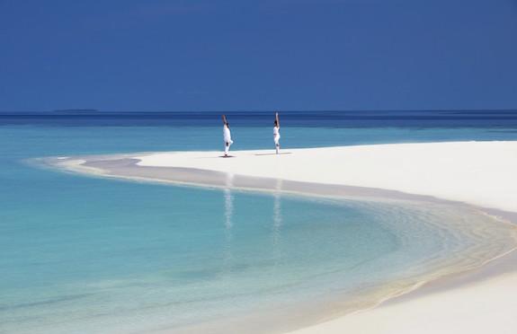 Beach yoga, Anantara Kihavah, Maldives