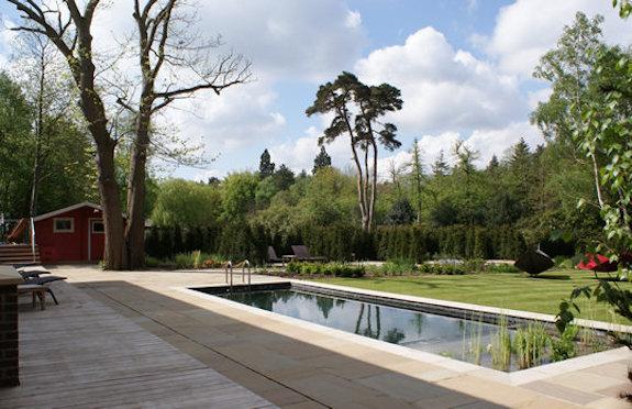 Foxhills spa garden/spabreaks.com