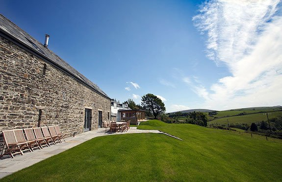 Tregullund Barn & Cottage, The Wow House Company