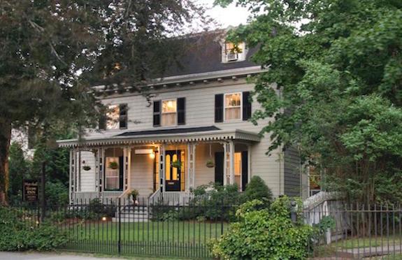 Historic Newport Inn, RI/TripAdvisor Vacation Rentals