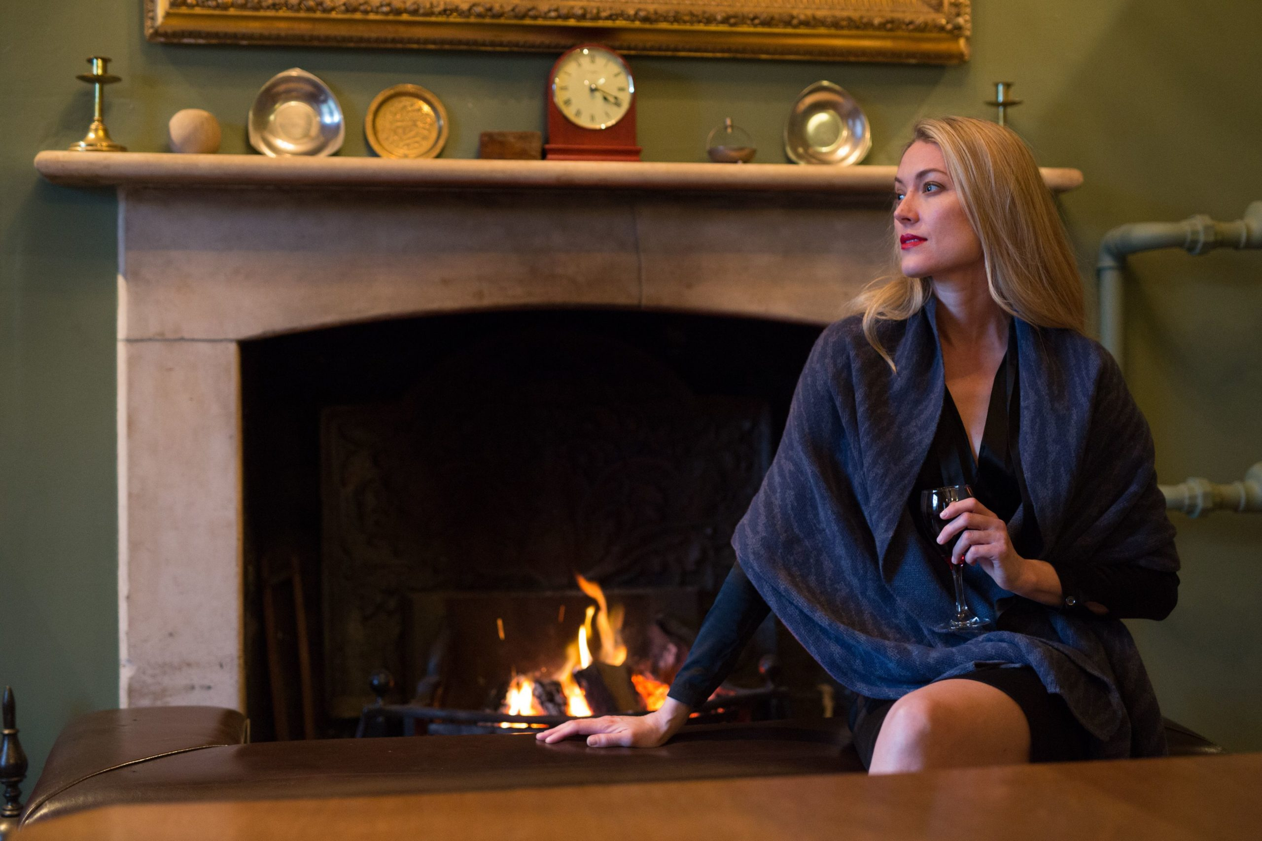How To Wear A Cashmere Wrap Image
